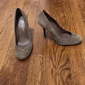 B. Makowsky taupe suede heels